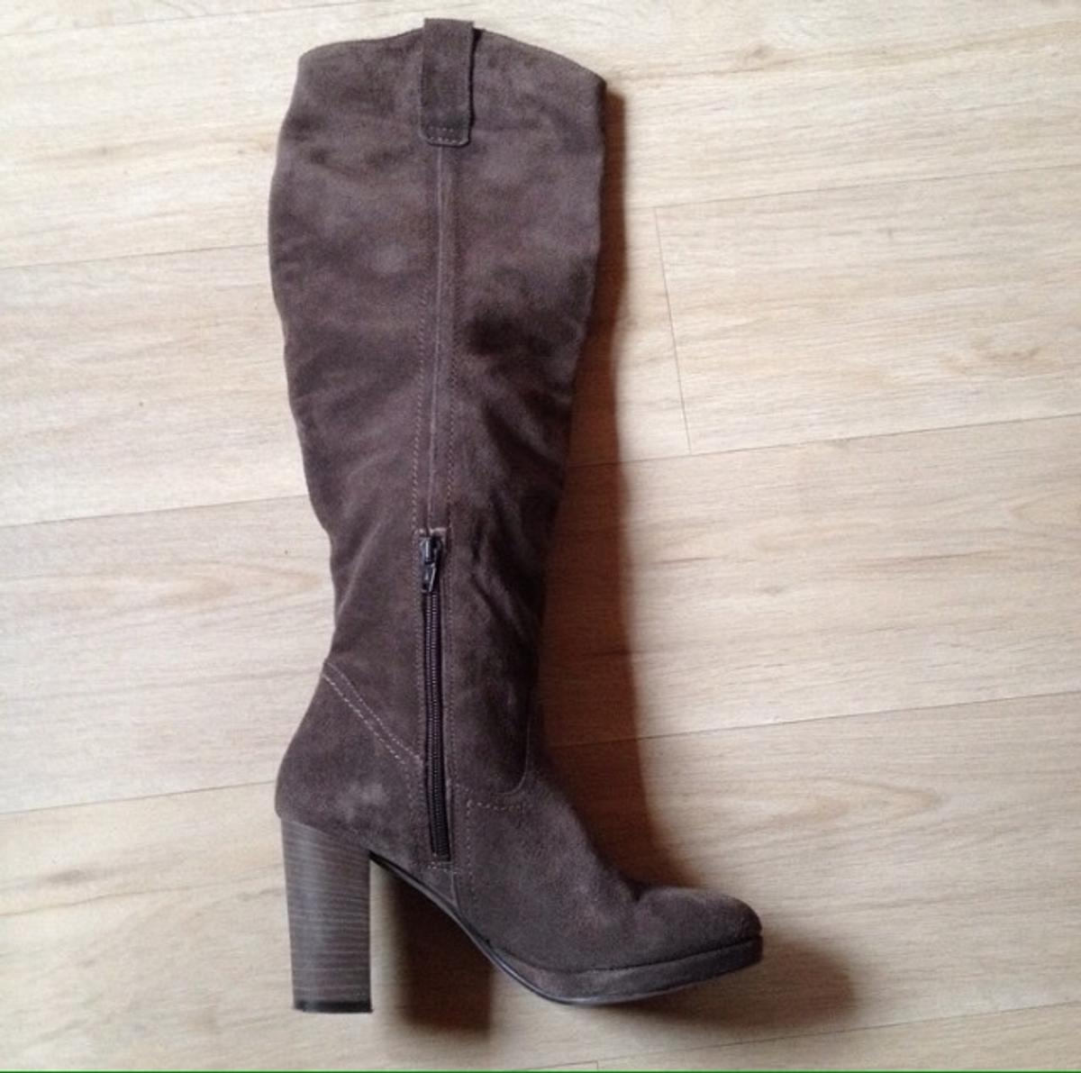 on sale 3cb84 18d9c Wildleder Stiefel braun in 83714 Miesbach for €30.00 for ...