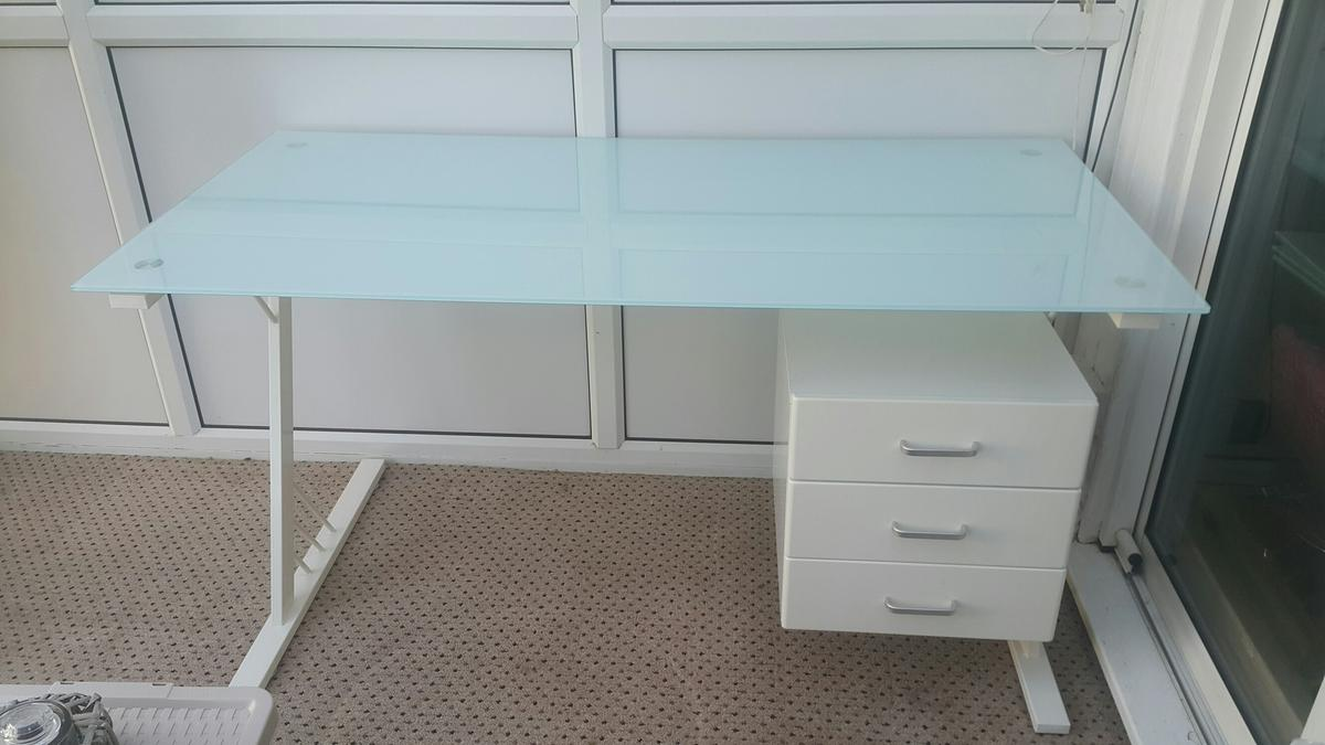 Modern White Glass Study Desk Dressing Table In Dn21 Gainsborough For 45 00 For Sale Shpock