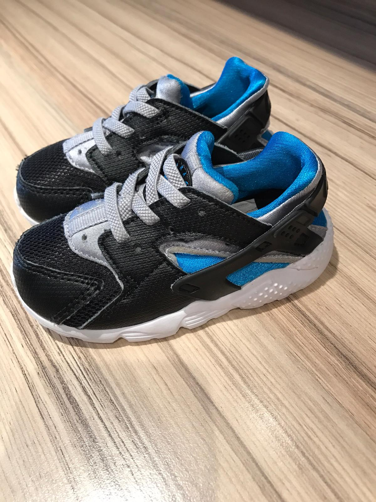 bc06d7b6c93d Baby boy Huaraches ( size 6.5 ) in N5 London for £5.00 for sale - Shpock