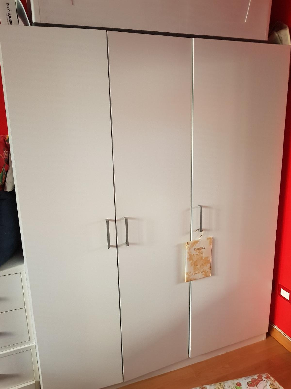 Armadio 3 Ante Usato.Armadio 3 Ante Ikea In 20141 Milano For 50 00 For Sale Shpock