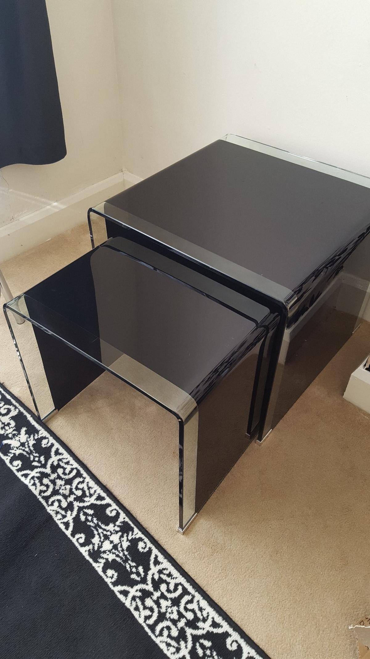 Modern Bent Glass Set Of Coffee Table Nest In B66 Smethwick For 65 00 For Sale Shpock