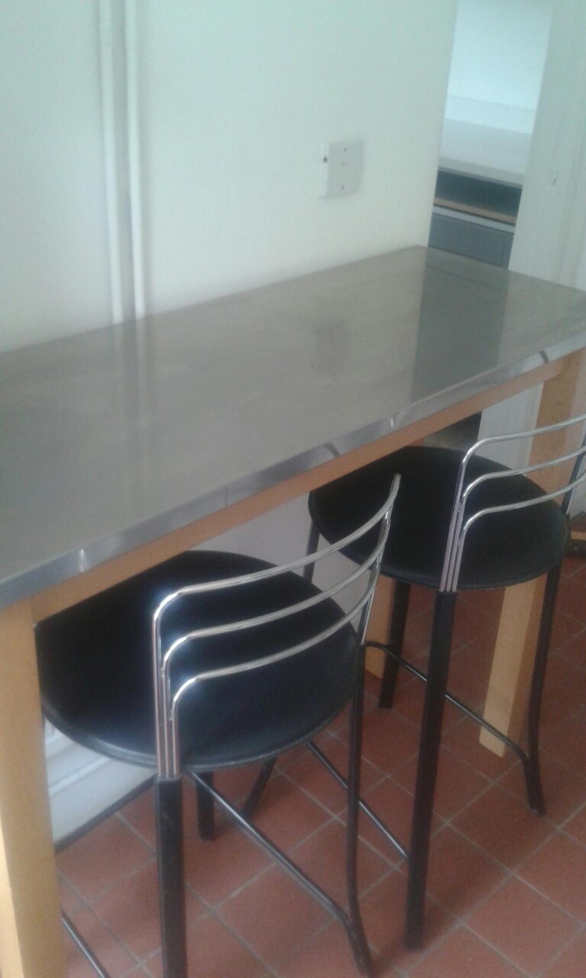Picture of: Breakfast Bar And Stools In Lu2 Luton For 25 00 For Sale Shpock