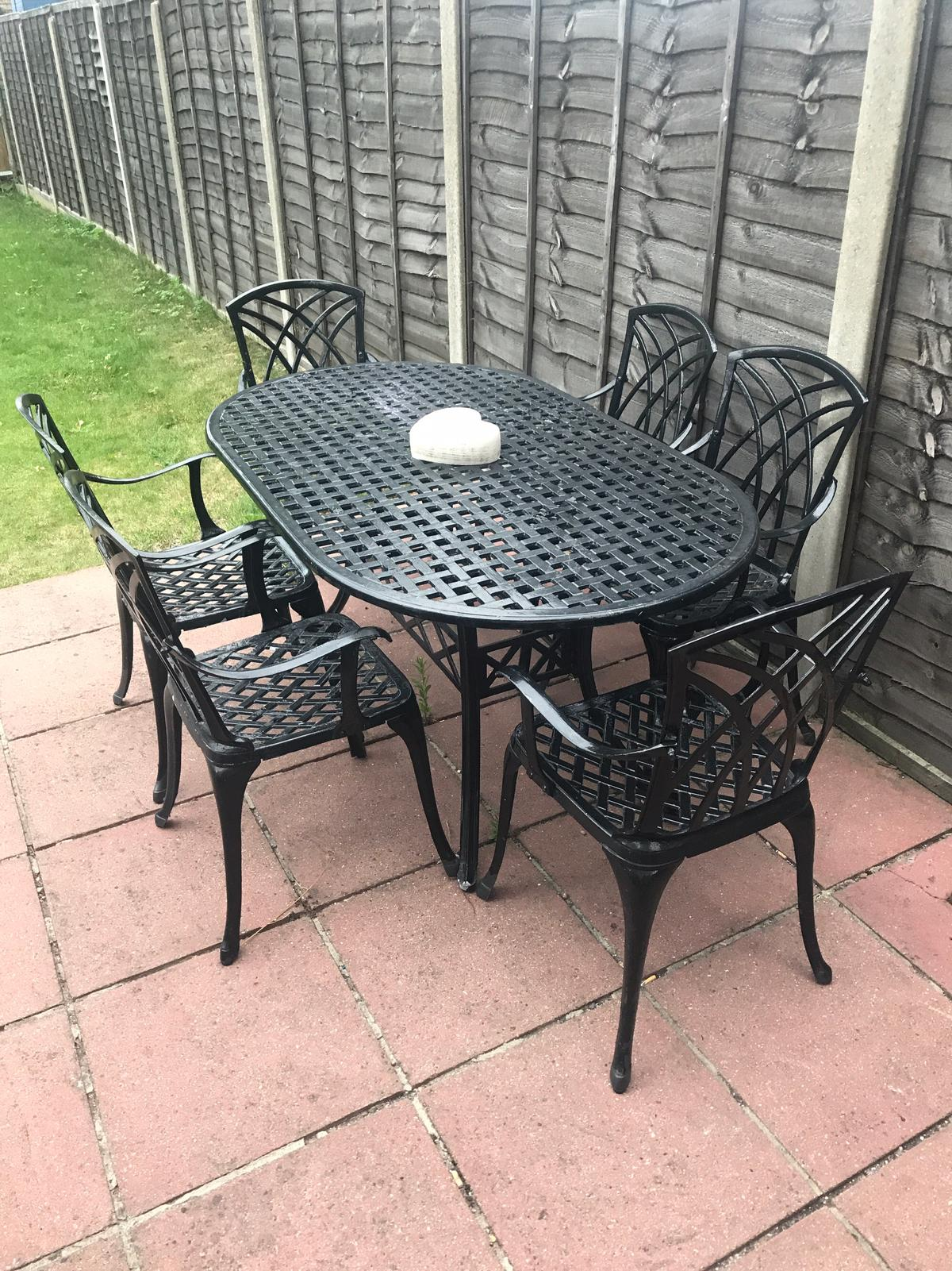 Cast Aluminium Garden Table Chairs