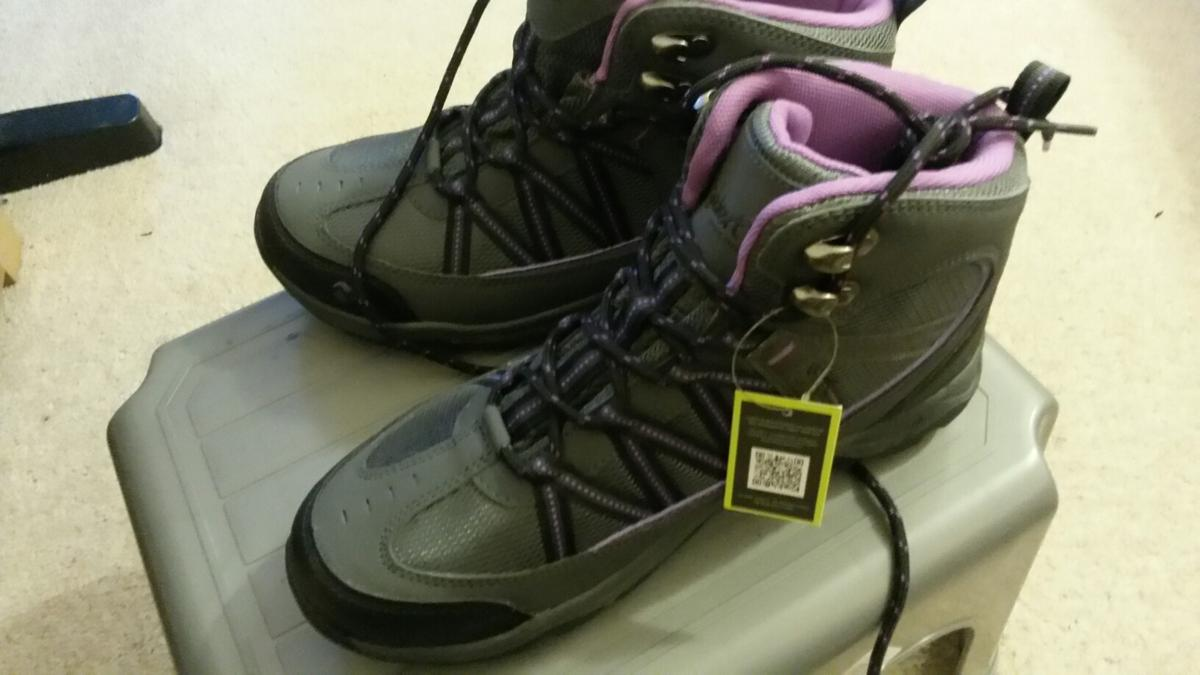 2cfbefe8466 Gelert ladies walking boots shoes in NW6 London for £23.00 for sale ...