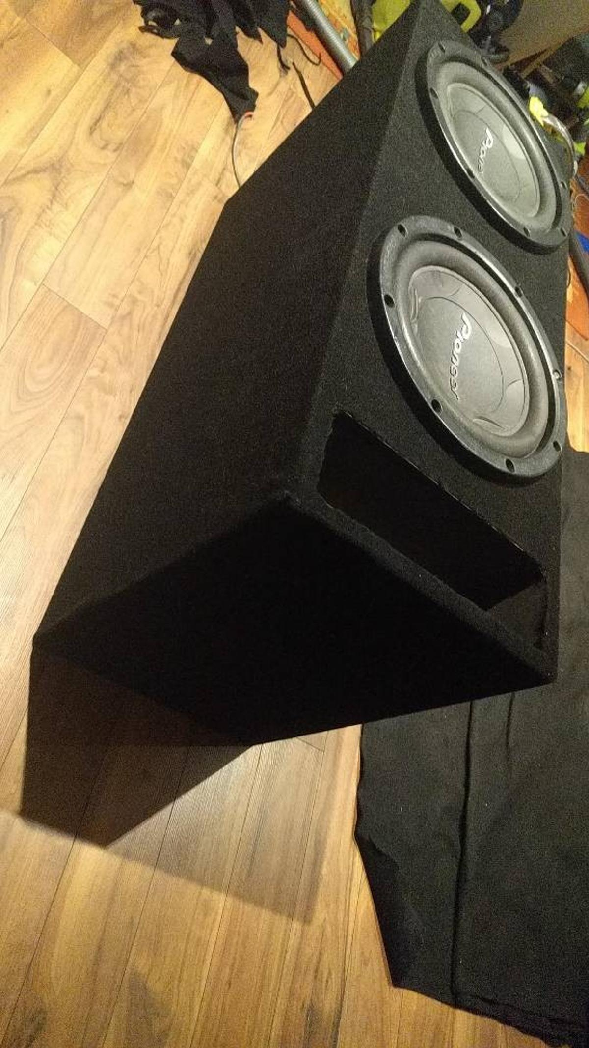 Twin pioneer 2800w subs in slot port box in LE4 Leicester