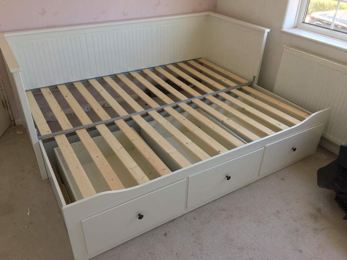 Picture of: Ikea Hemnes Daybed In Dn8 Thorne For 70 00 For Sale Shpock