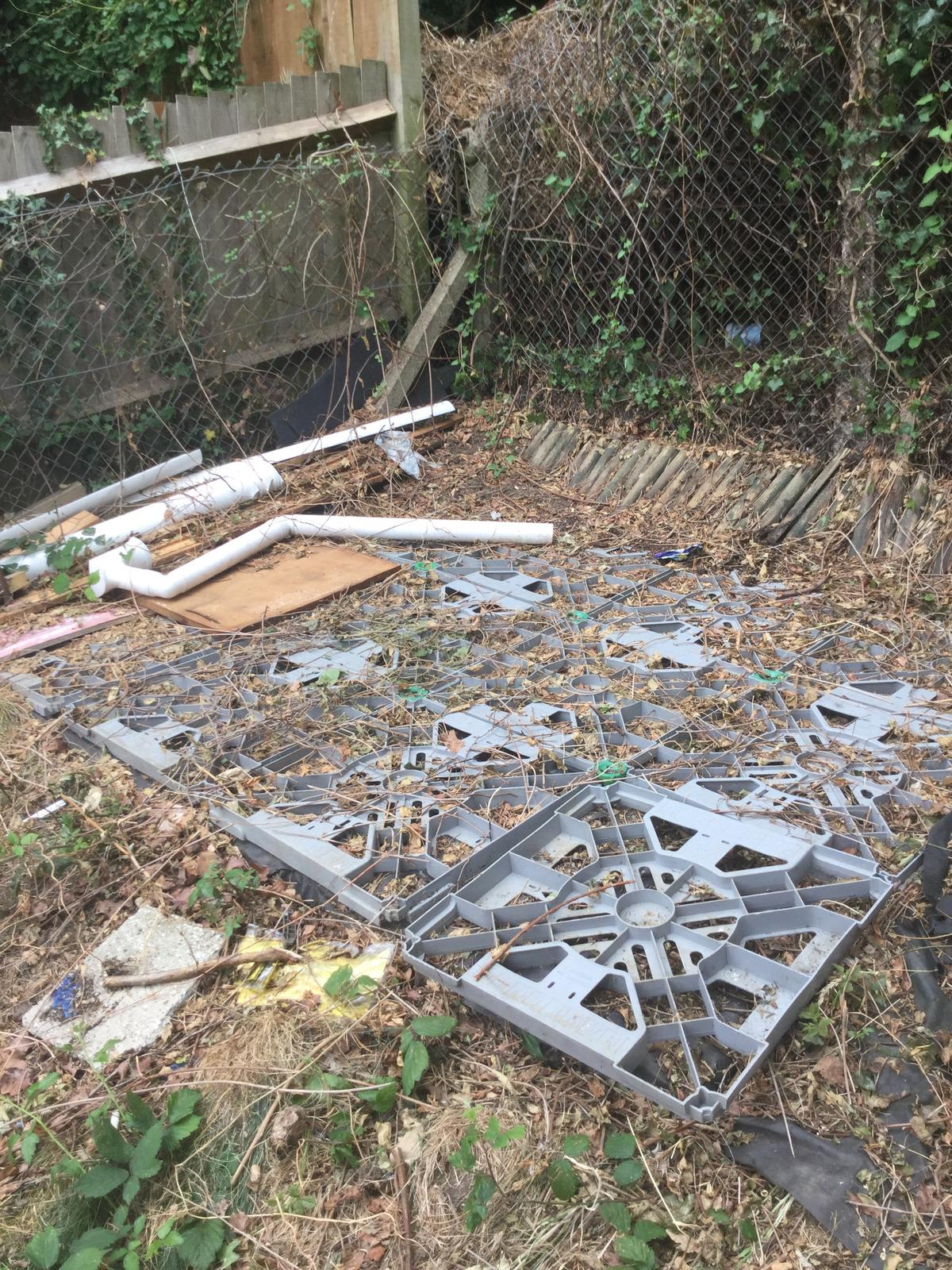 Used Plastic Hawklok Garden Shed Base In E4 London For Free For Sale Shpock