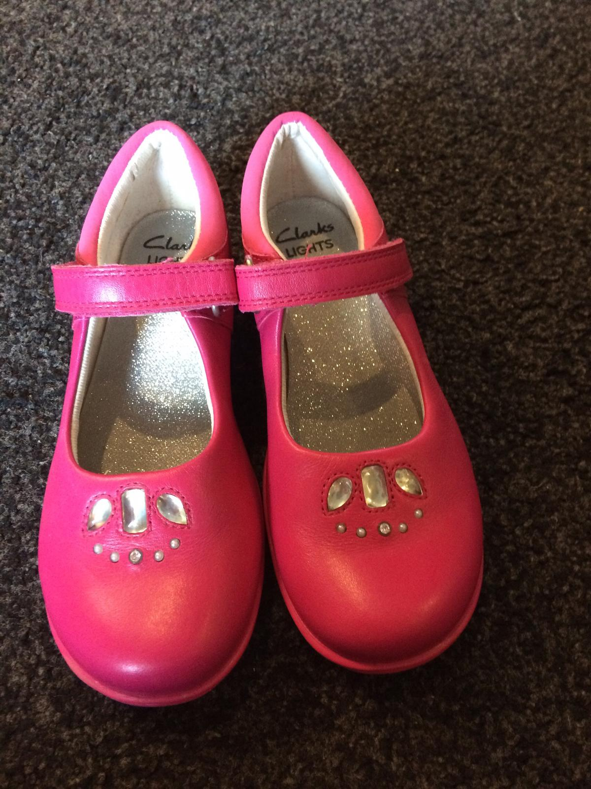 b383795e981 Light up shoes in SK2 Stockport for £8.00 for sale - Shpock