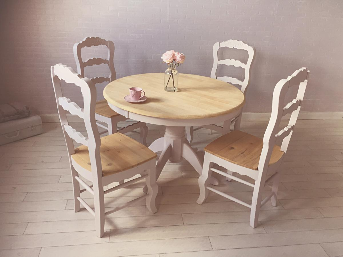 Picture of: Painted Dusky Pink Dining Table And Chairs In Ts18 Tees For 190 00 For Sale Shpock
