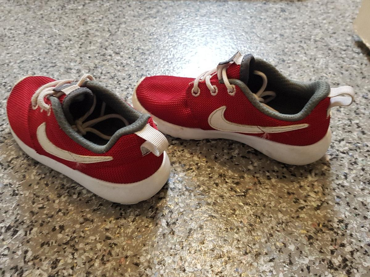 personal Peatonal Exclusivo  Nike roshe kids trainers uk 10.5 in OL1 Oldham for £9.00 for sale   Shpock
