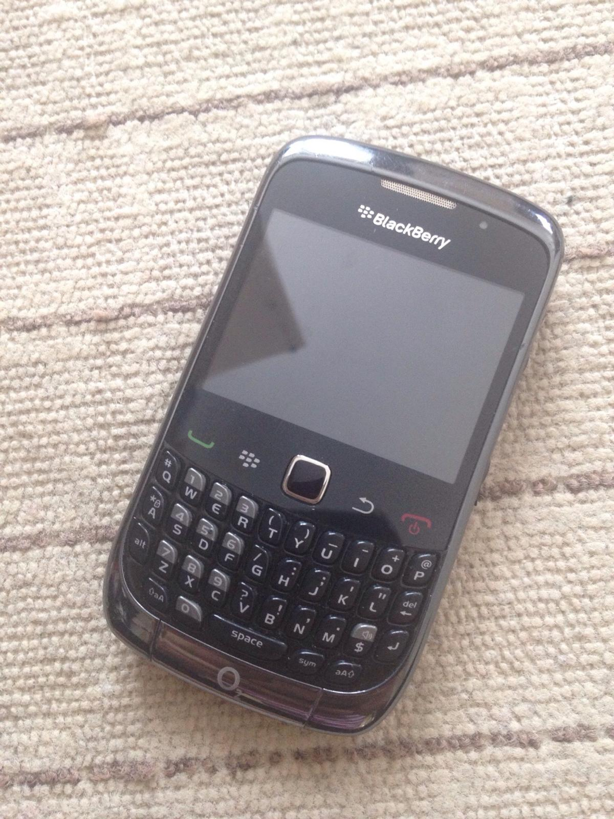 Unlocked blackberry curve 9300 with cases