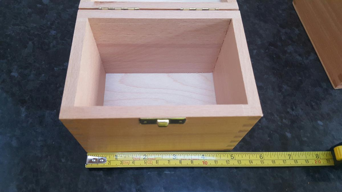 Small Wooden Boxes With Fittings In Le2 Oadby For 10 00 For