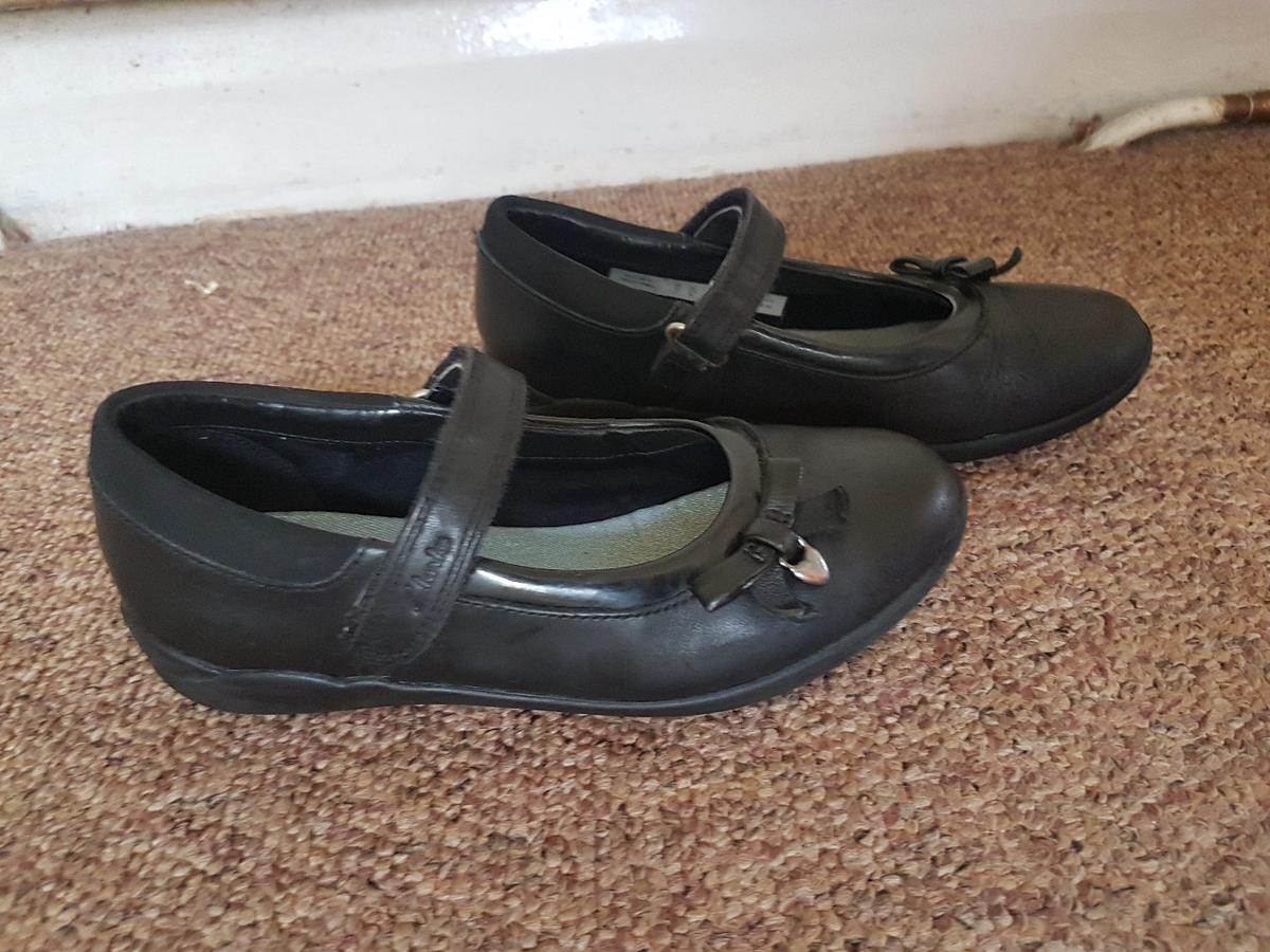 Clarks girls boots size 1F NEW in KT3