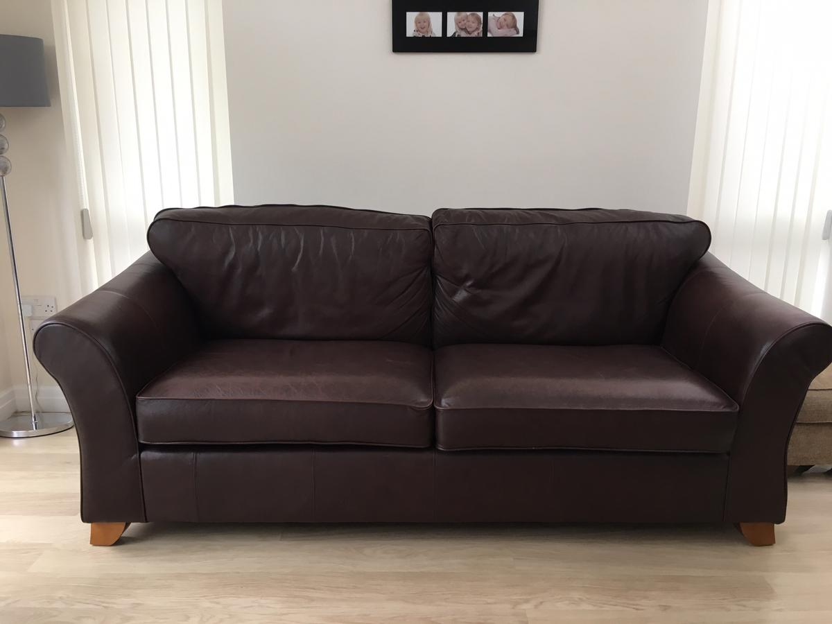 Marks And Spencer Large Leather Abbey Sofa In Ng16 Watnall For