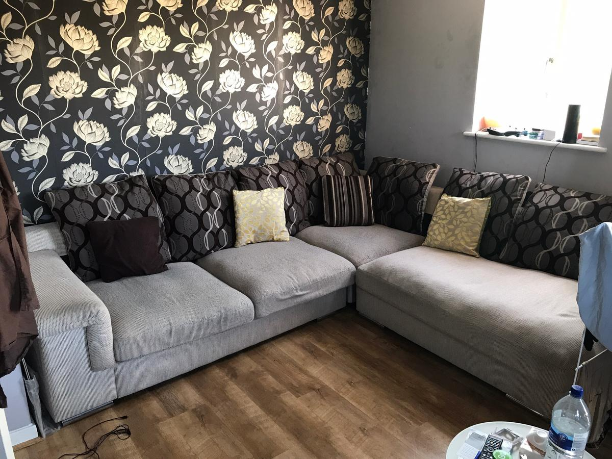 Terrific Large Comfy Corner Sofa For Sale In Nw1 London For 250 00 Spiritservingveterans Wood Chair Design Ideas Spiritservingveteransorg