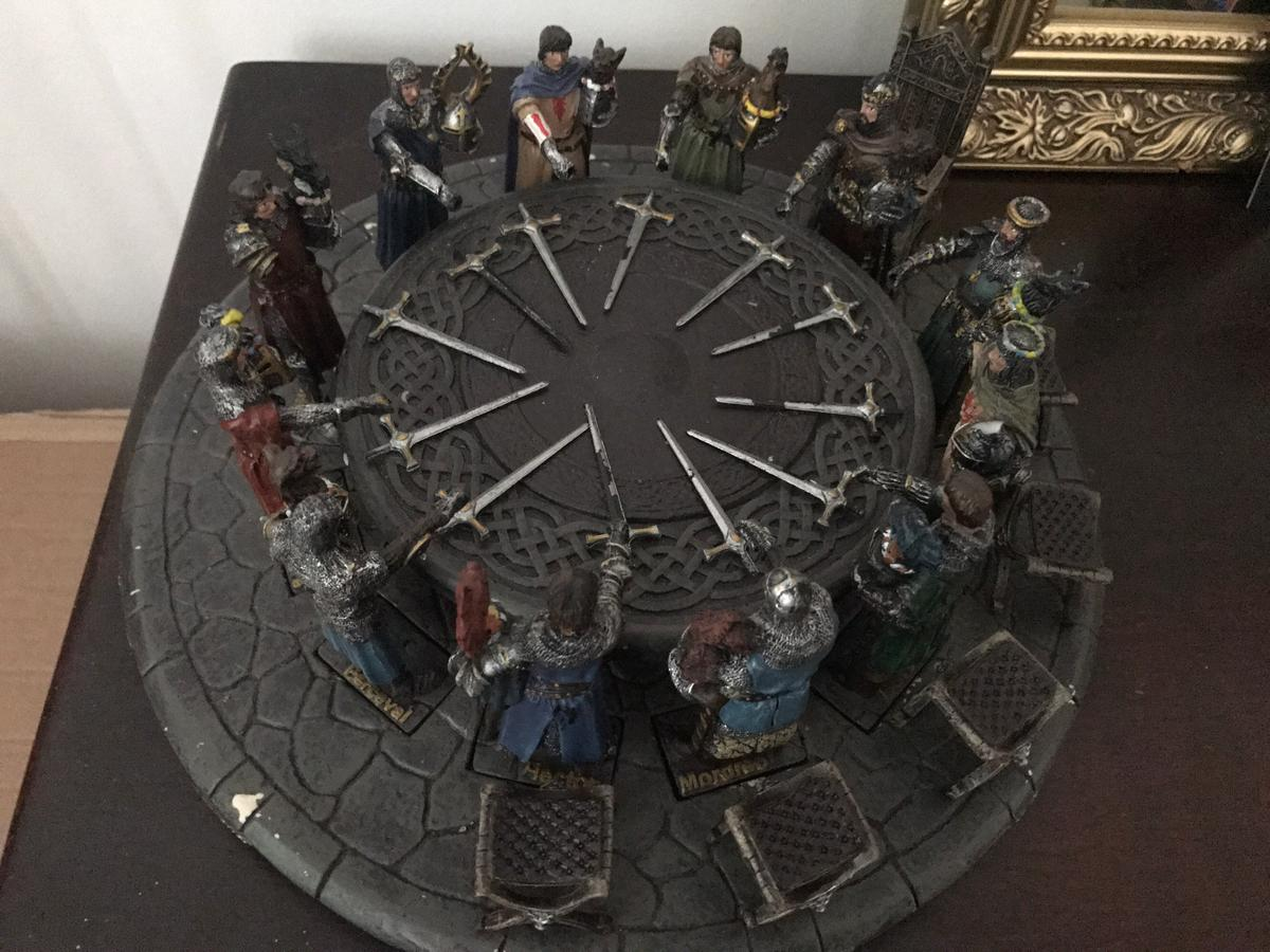 Knights Of The Round Table Swords.King Arthur S Knights Diorama In Ng3 Nottingham For 100 00 For Sale
