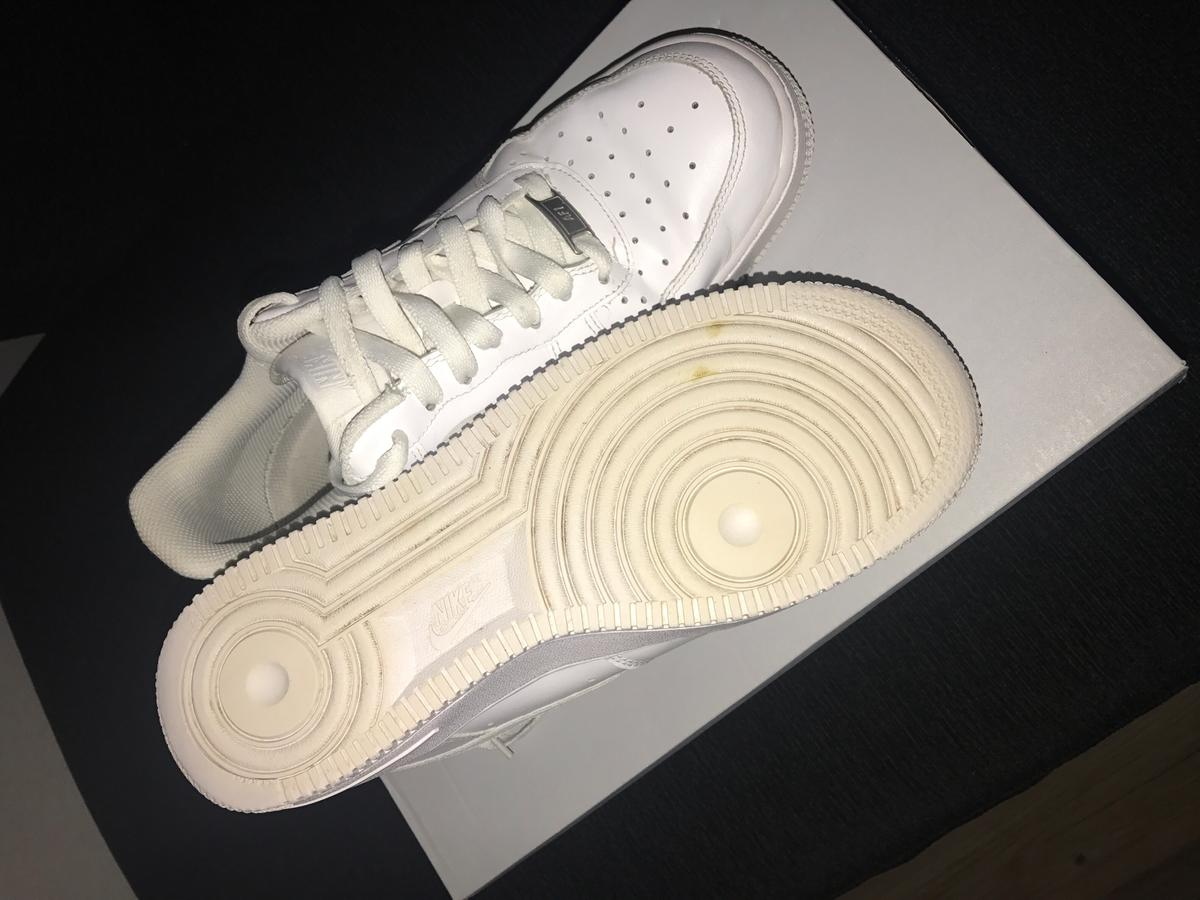 sports shoes 2ee65 31abf Women's Nike Air Force 1 size 6