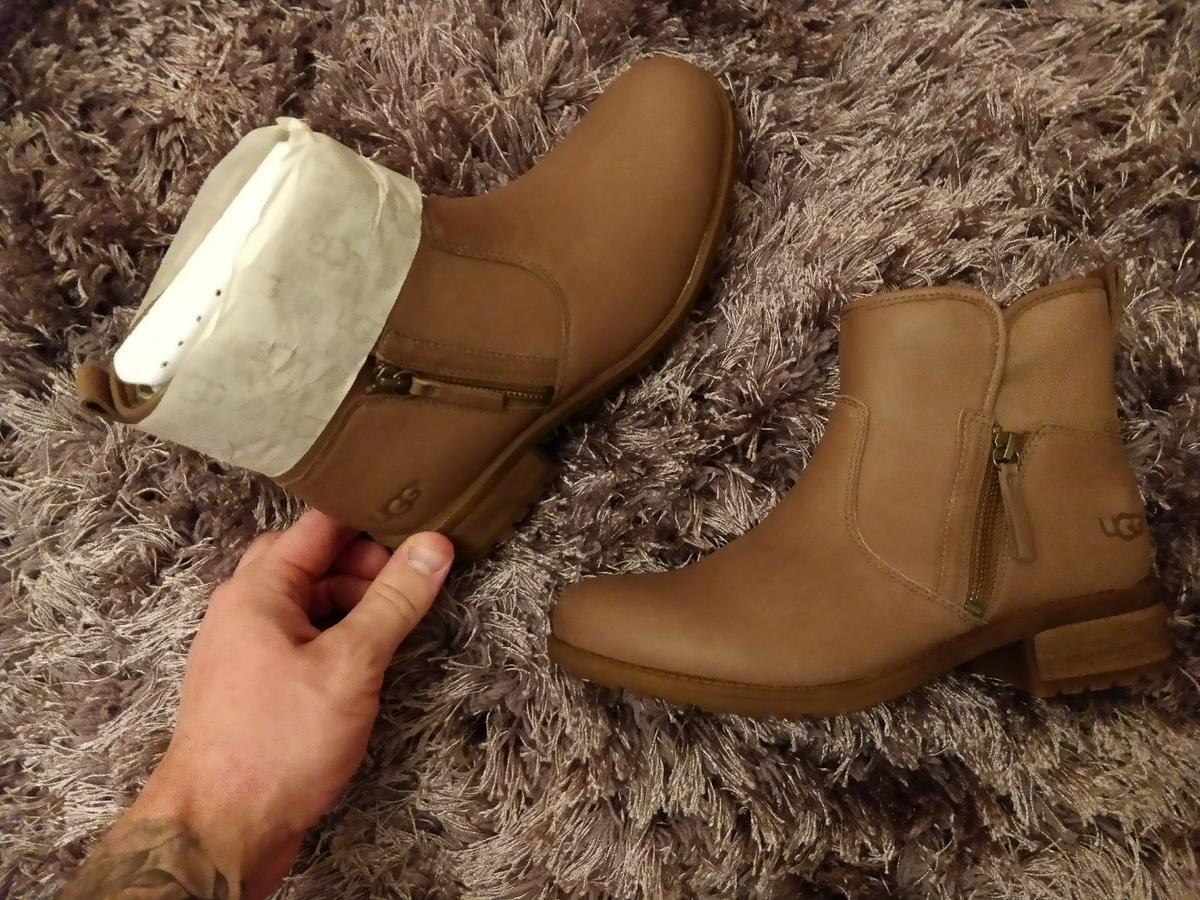 eb59eb159fe Genuine ladies UGG Lavelle boots size 6.5 uk in WN7 Atherton for ...