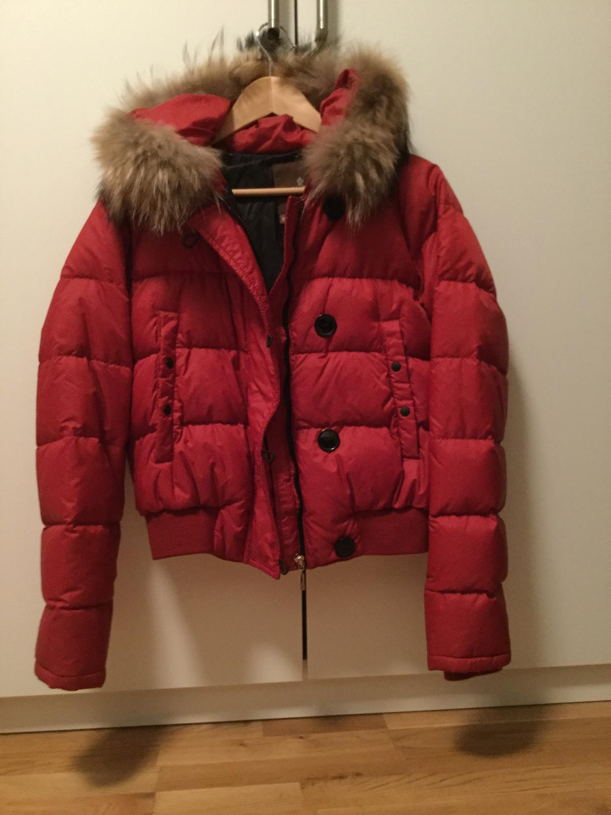 the latest 14823 9f323 Damen Moncler Bomberjacke Größe 2