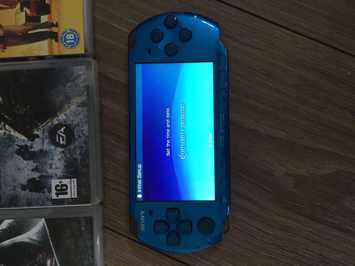 Sony PSP, 7 games and 3 movies