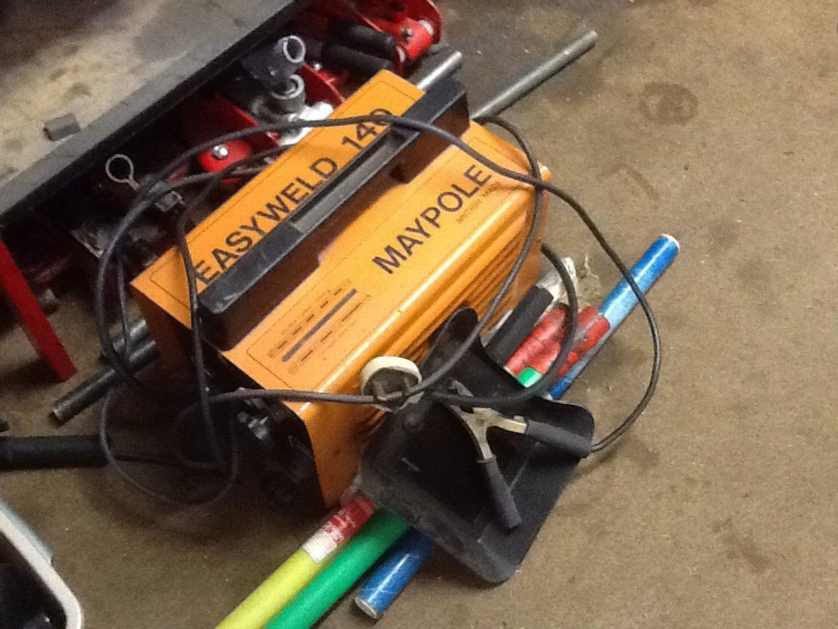 Arc/stick welder with a selection of rods