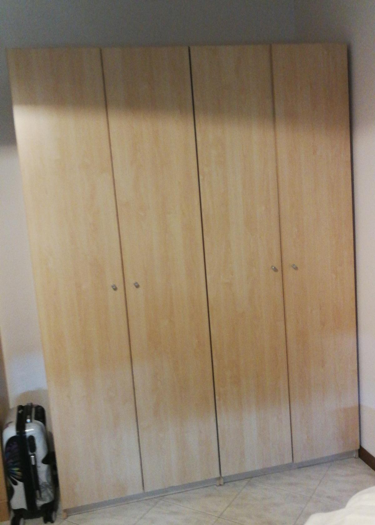 Armadio Ikea 4 Ante.Armadio 4 Ante Ikea Perfetto In 00139 Roma For 50 00 For Sale Shpock