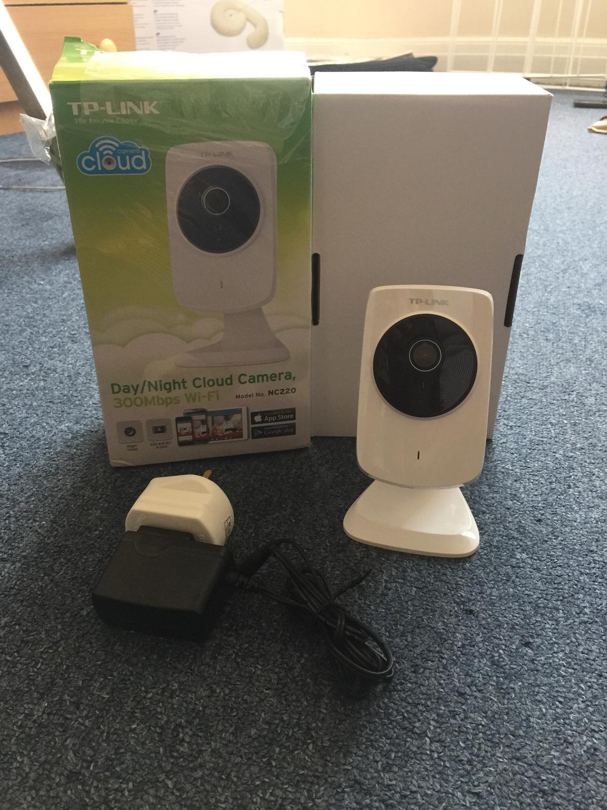 TP-Link security camera & WiFi extender
