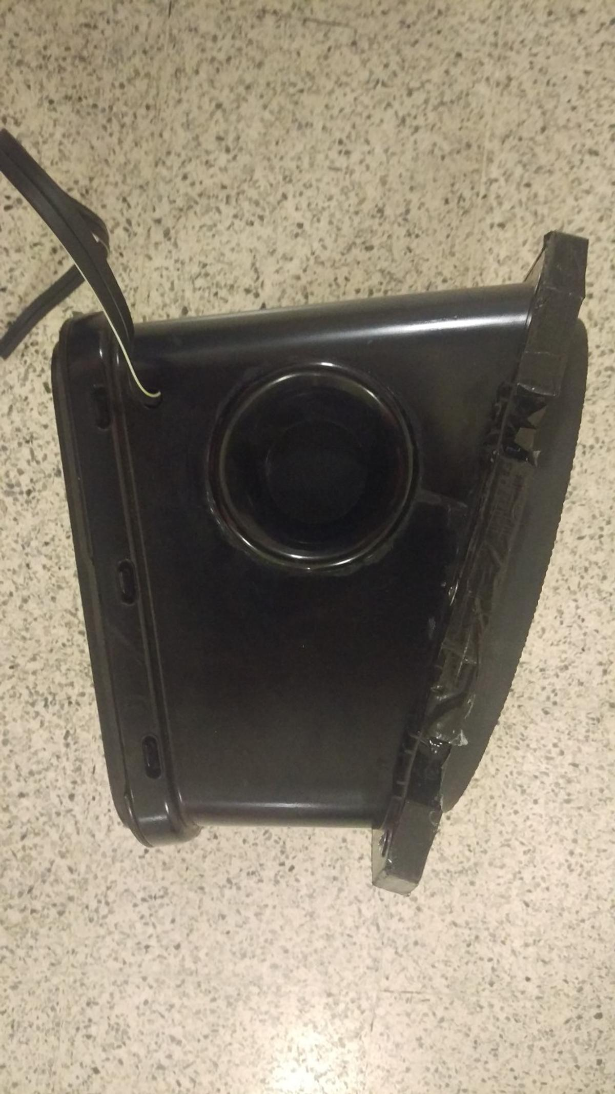 Bass box BMW E36 in E17 London for £20 00 for sale - Shpock