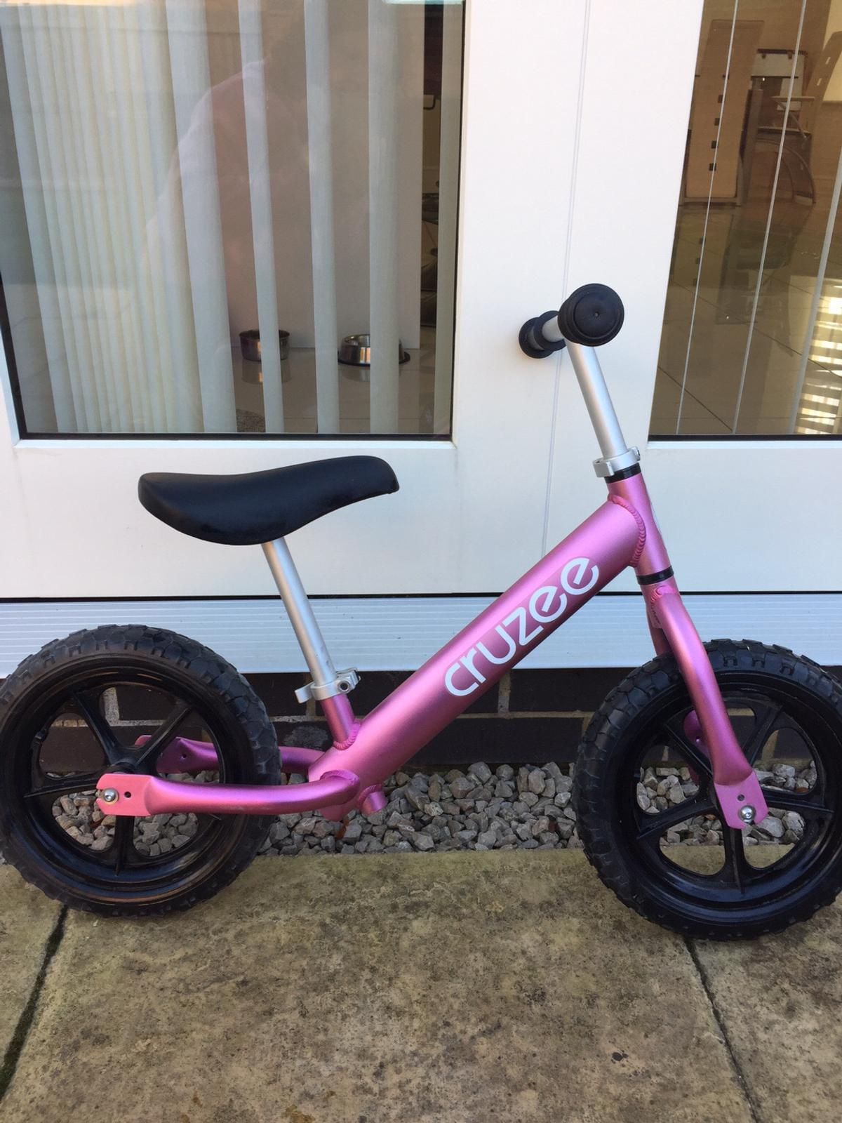 Wondrous Cruzee Balance Bike Pink Camellatalisay Diy Chair Ideas Camellatalisaycom