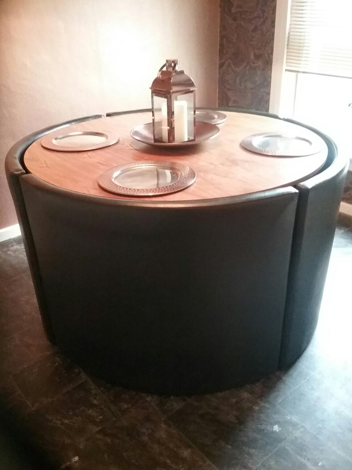Picture of: Dining Room Table And Booth Style Chairs In Eh54 Livingston For 50 00 For Sale Shpock
