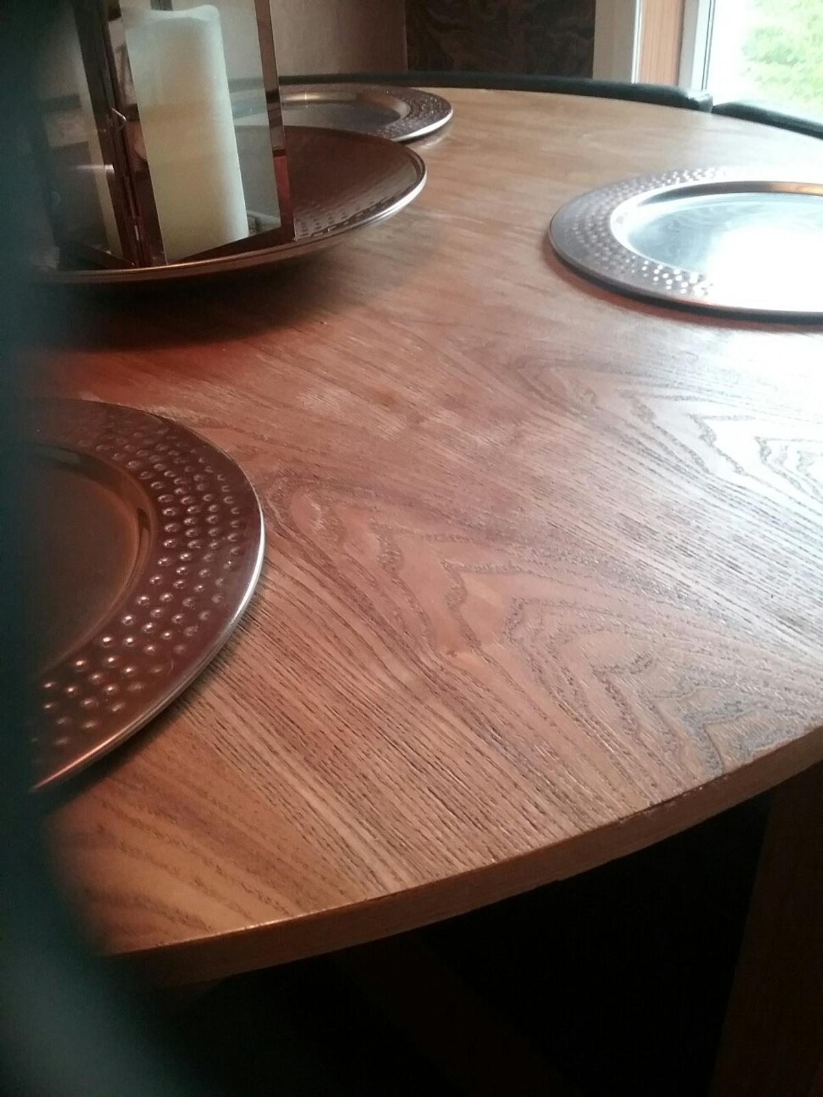 Dining Room Table And Booth Style Chairs In Eh54 Livingston For 50 00 For Sale Shpock