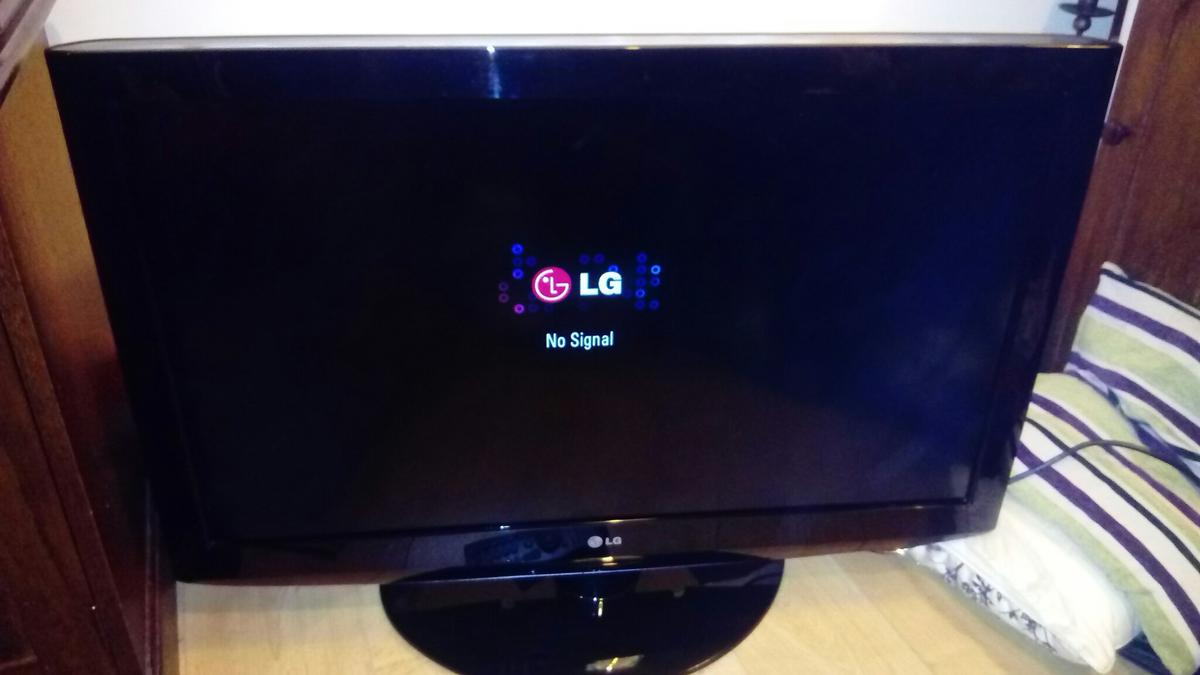 37 inch LG TV, HD ready LCD with Freeview in PE3 Peterborough for