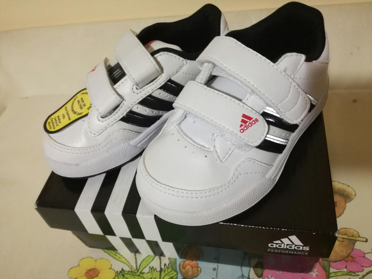 Scarpe bambino nuove adidas in Ascea for €30.00 for sale