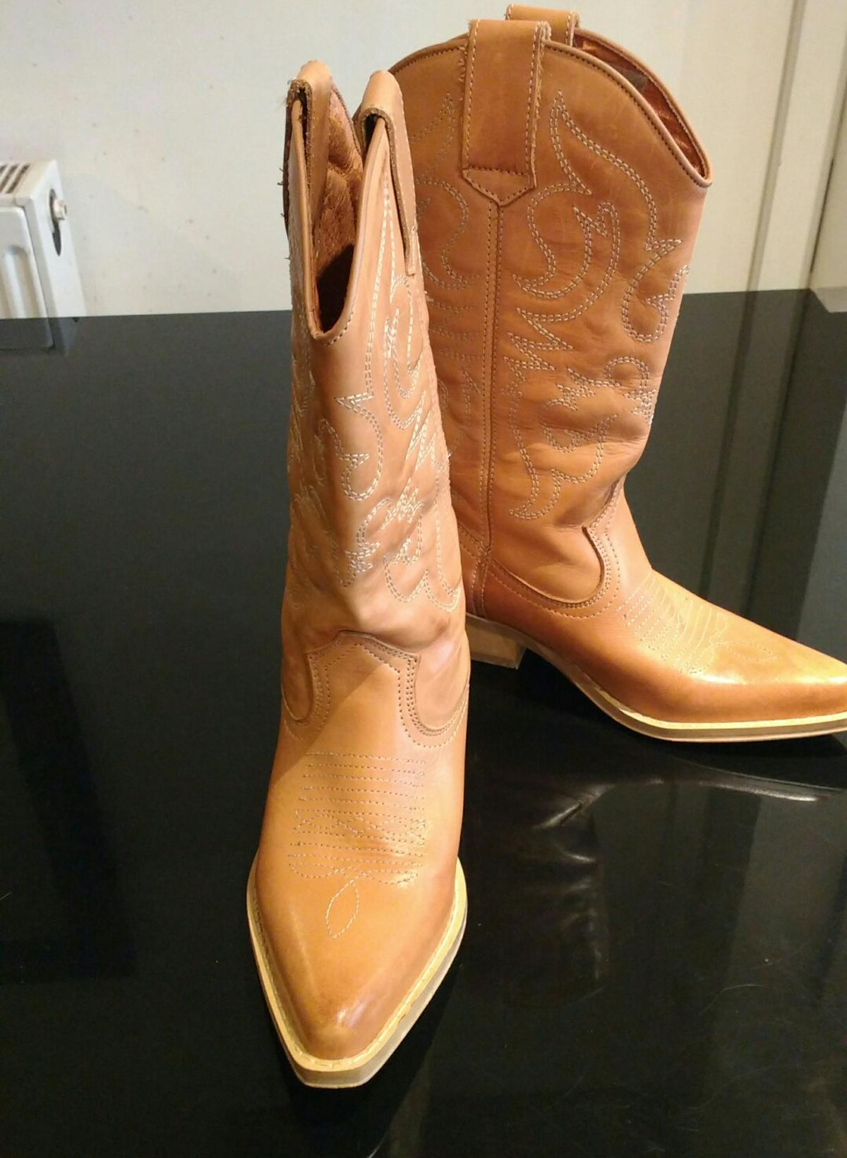 Girlsladies cowboy boots size 3. in FY3 Blackpool for