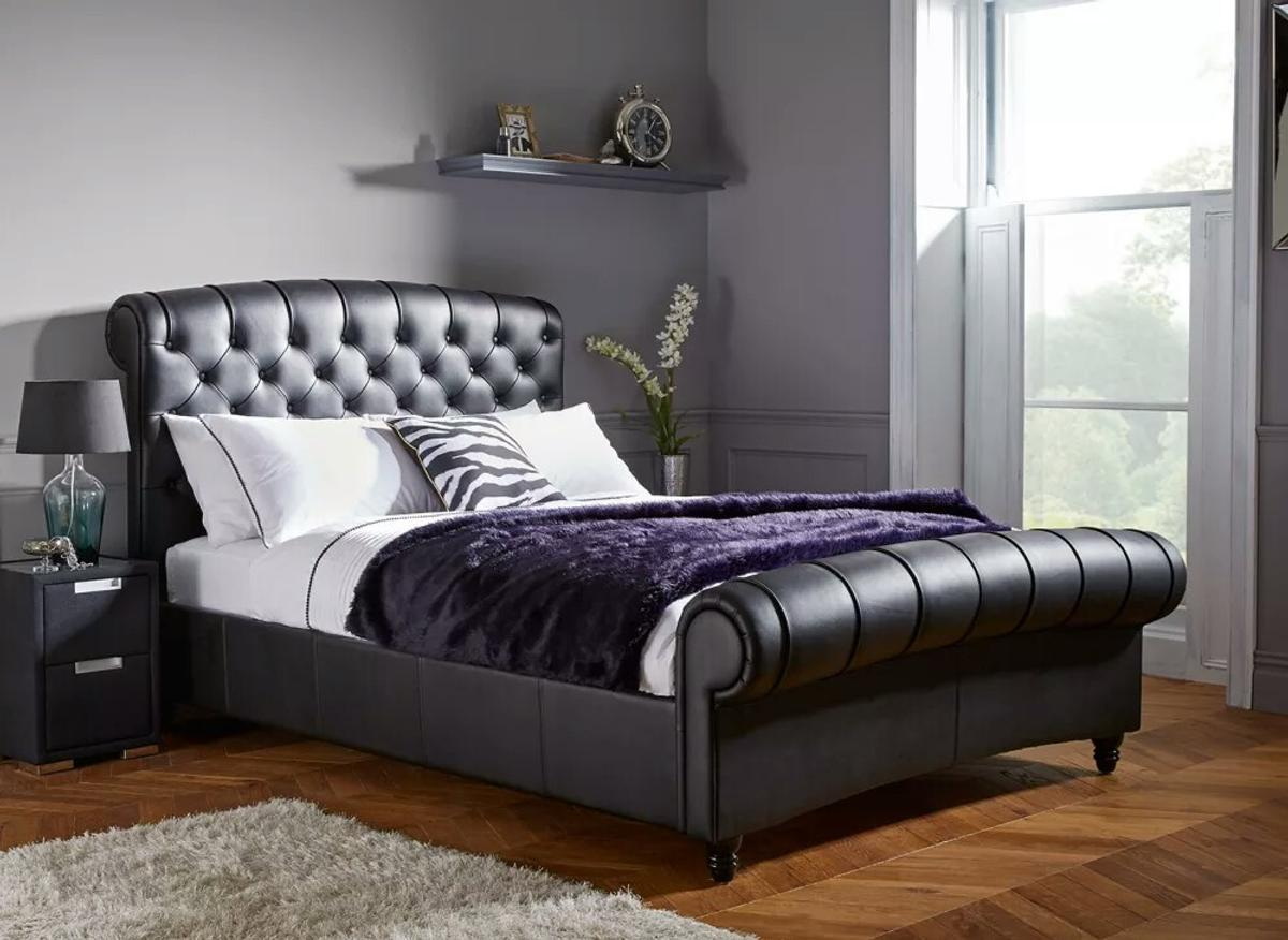 Picture of: Black Leather King Size Bed Frame In London Borough Of Bromley For 500 00 For Sale Shpock