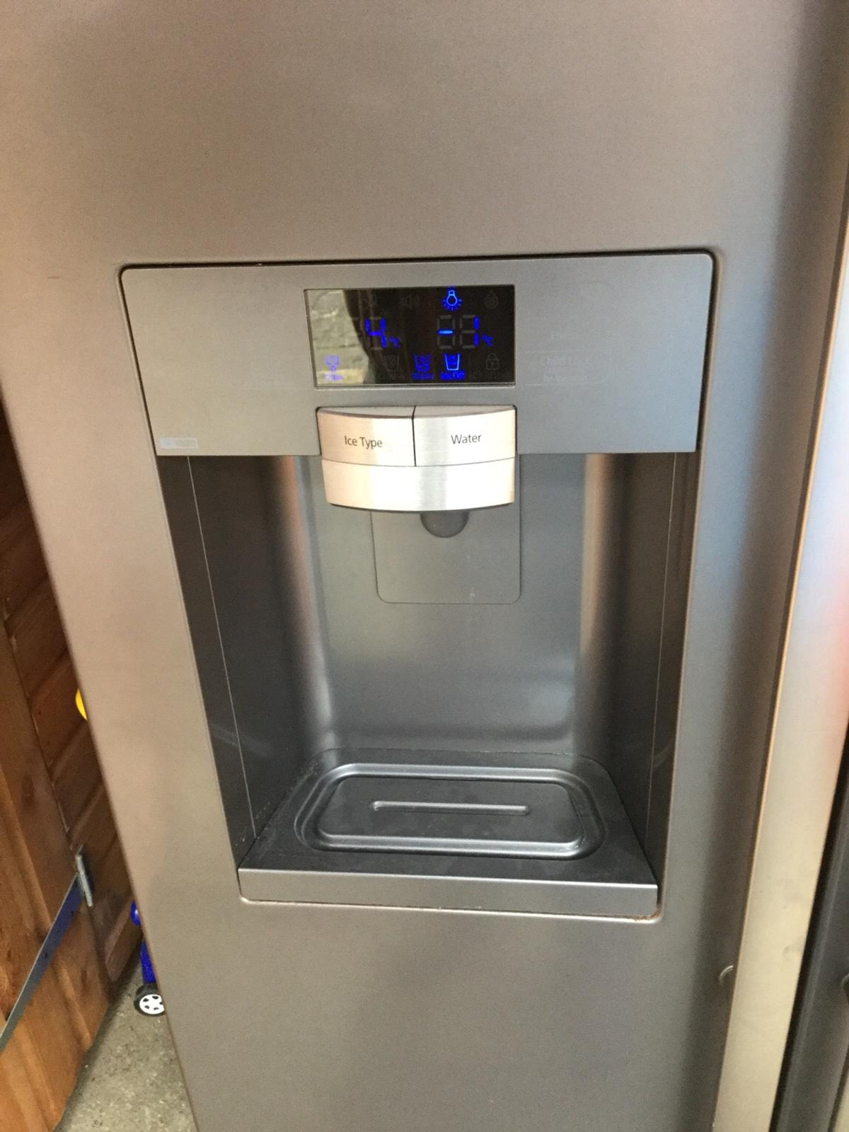 Samsung American style fridge freezer RSG5D in Baddeley