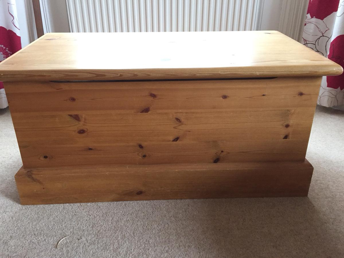 Solid Antique Pine Blanket Box In Tn1 Wells For 80 00 For Sale Shpock
