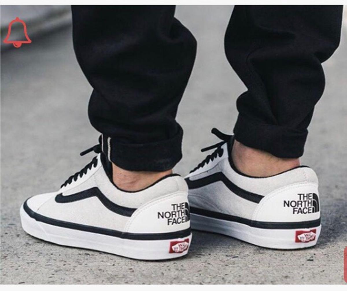 Details zu Vans X The North Face