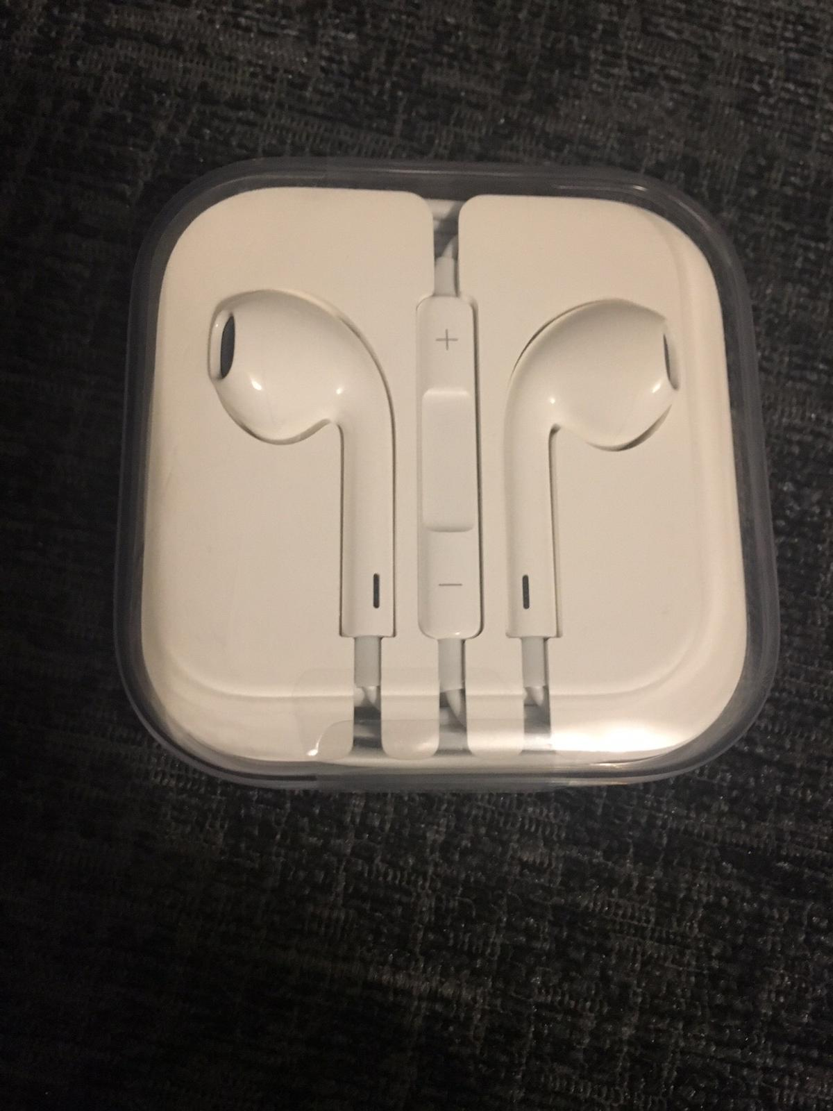92ae75827ef Genuine Apple earphones - Aux end in GU46 Crowthorne for £15.00 for ...