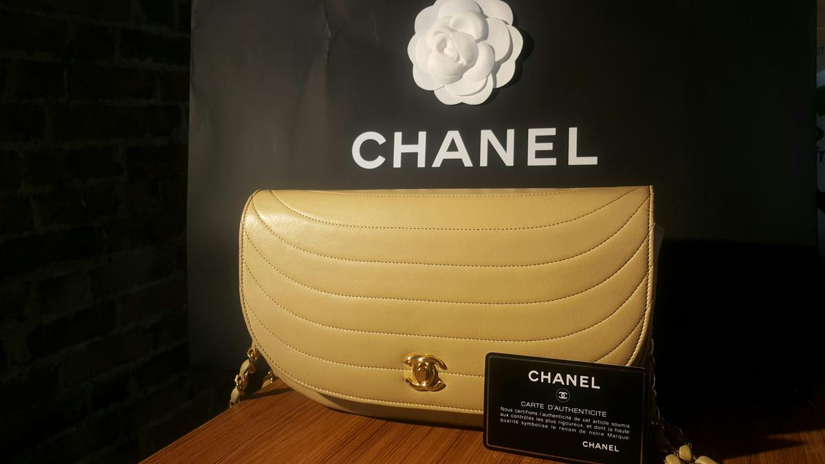 But Carte De Controle.Chanel Vintage Half Moon Super Rare Item In Se1 Southwark