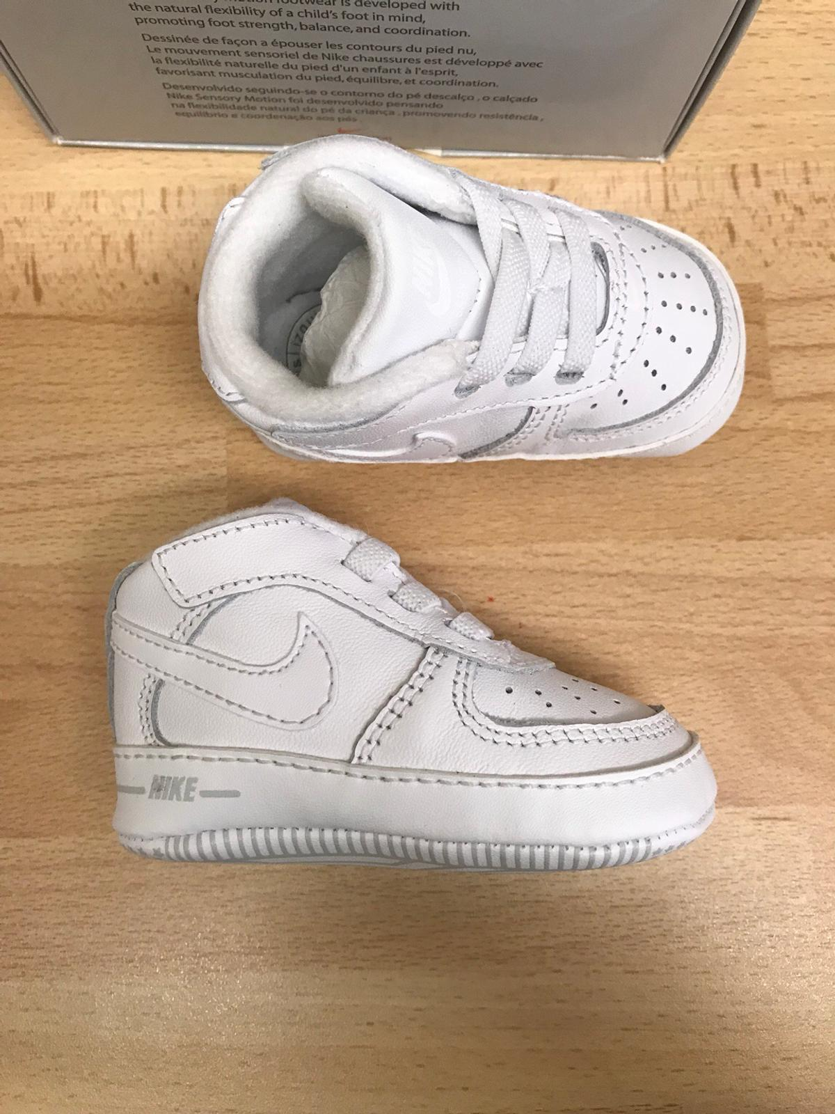 Baby Nike Air Force 1 baby shoes in SE17 London für 10,00