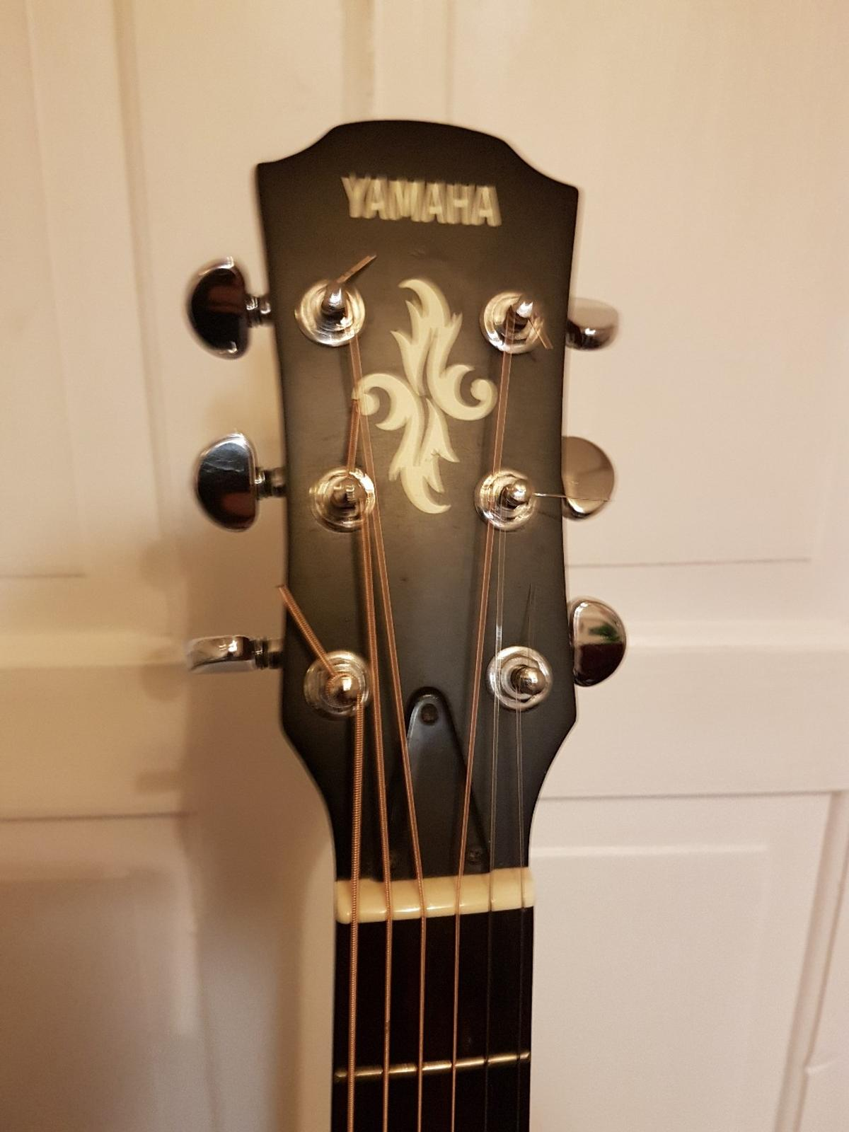YAMAHA APX 4-A Electro Accustic Guitar+Case in M21 Manchester for
