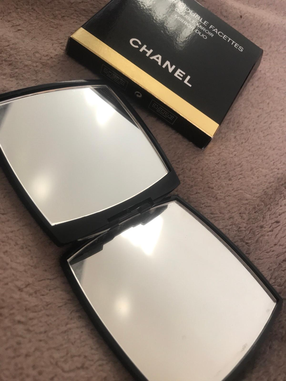 Chanel Duo Compact Mirror In Wv12 Walsall For 18 00 For Sale Shpock