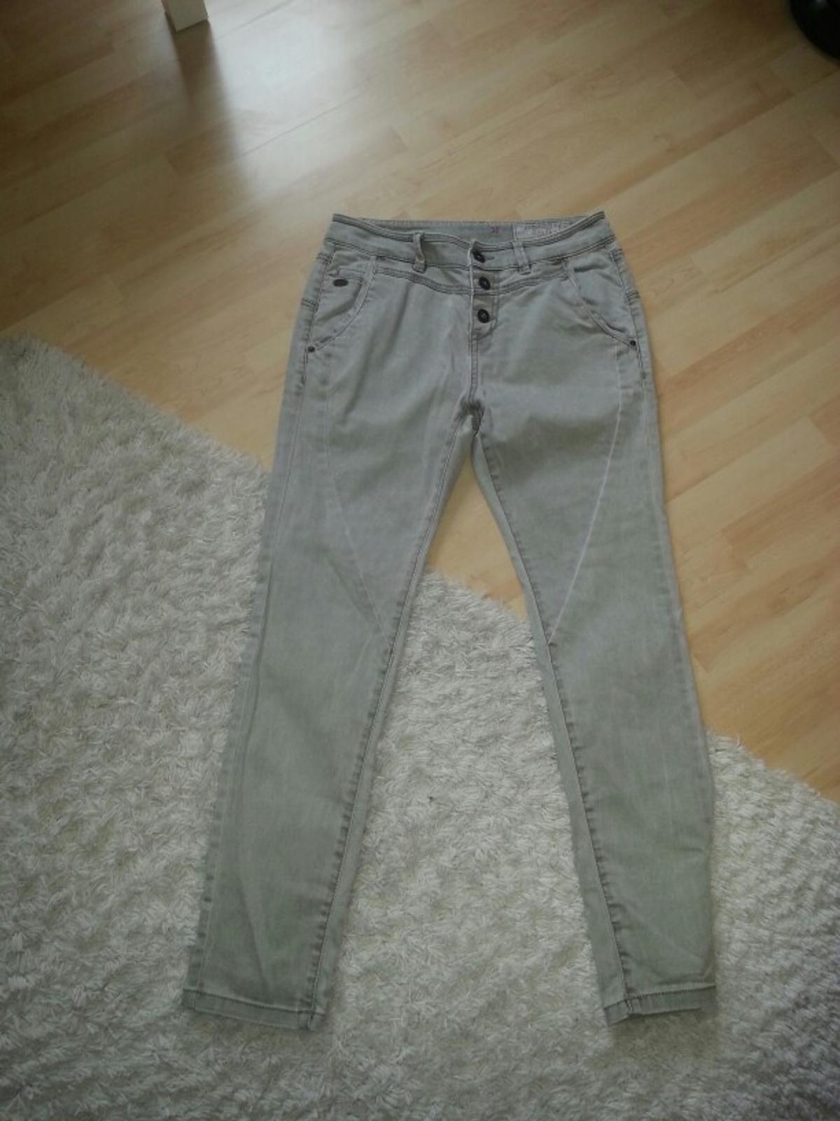 edc*by Esprit Damenjeans Hose in grün in 32130 Enger for
