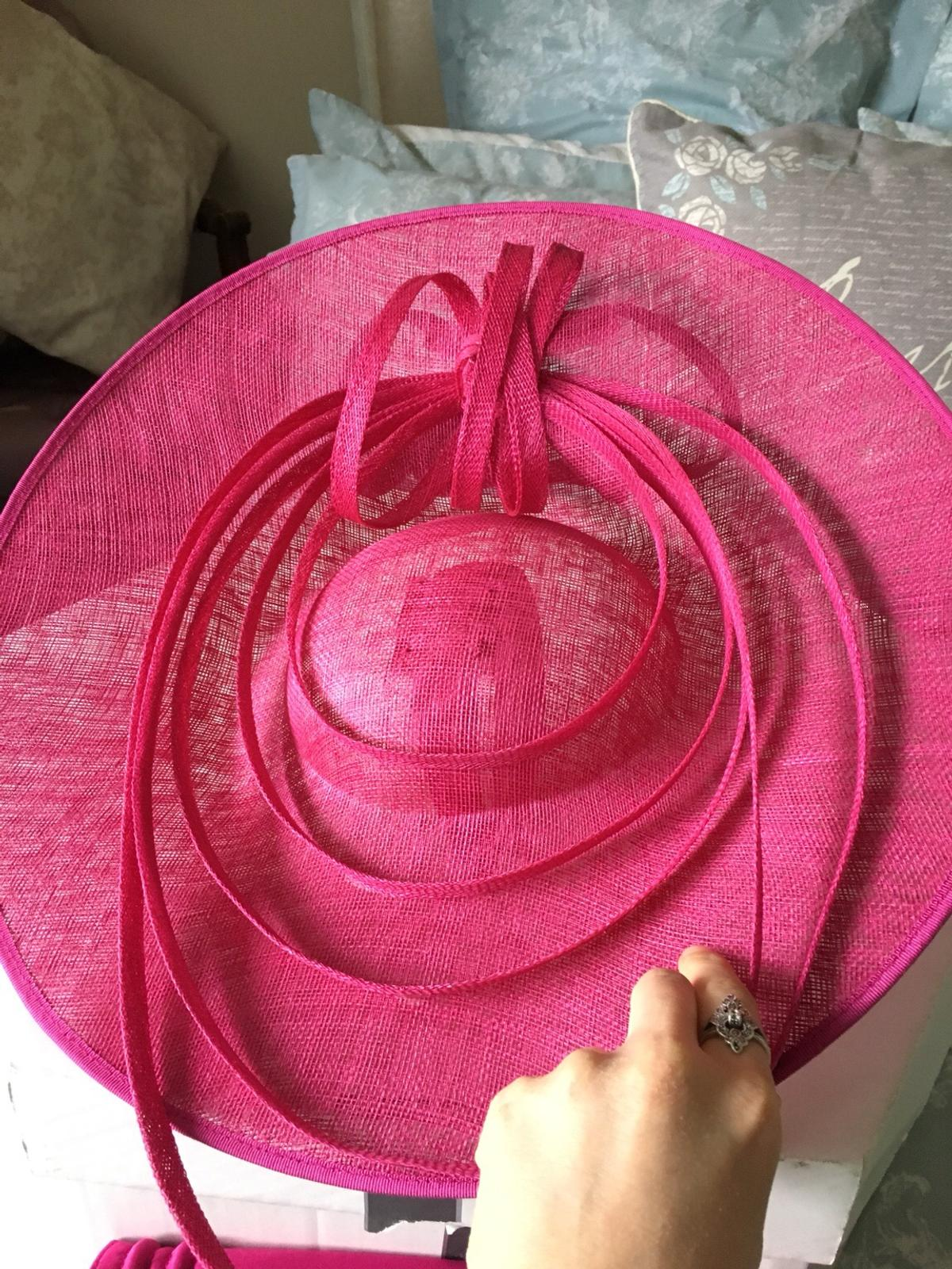 Matching Large Saucer Fascinator Hat And Bag In Sm7 Banstead For 29 00 For Sale Shpock
