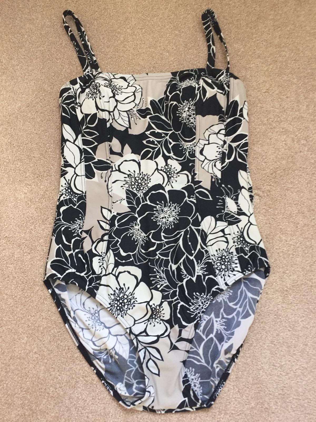 d6a5e2bd72f Debenhams Swimming Costume in Chelmsford for £6.00 for sale - Shpock