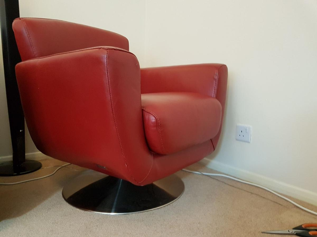 Pleasing Violino Red Leather Swivel Chair In Da15 Bexley Fur 75 00 Beatyapartments Chair Design Images Beatyapartmentscom