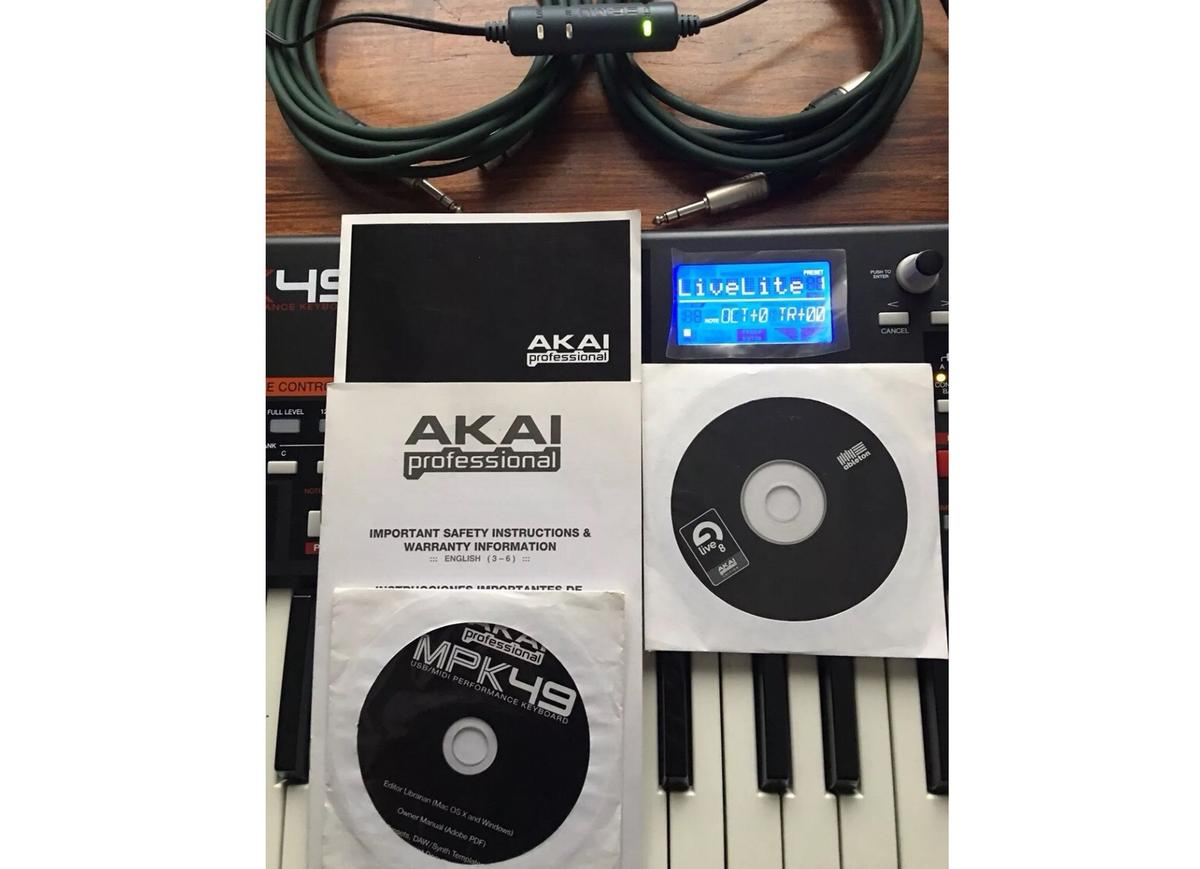 Akai MPK49 midi controller keyboard in SW9 Lambeth for