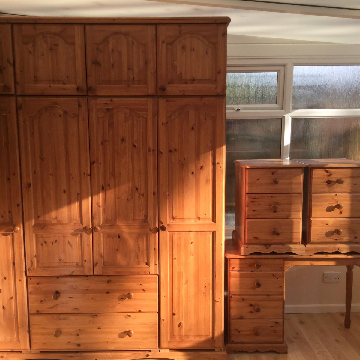 5 Piece Solid Pine Bedroom Furniture set in RH11 Green for ...