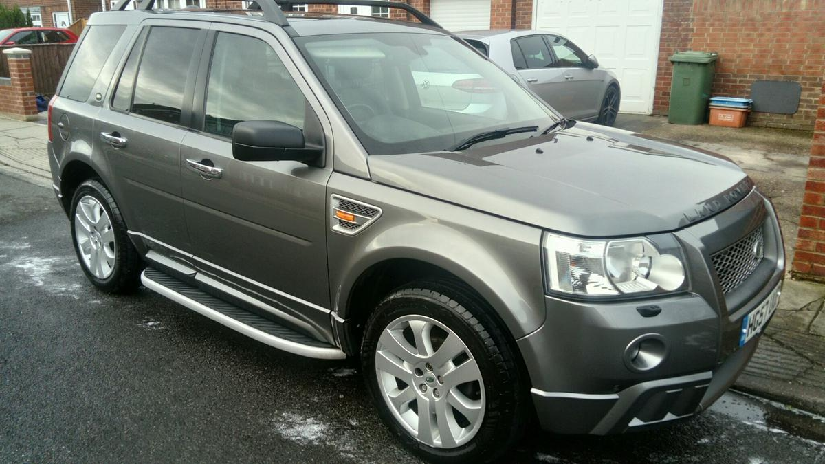 Freelander 2 HSE with HST body kit in Wybers Wood for